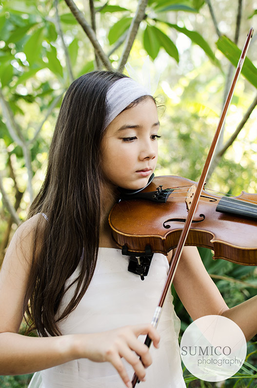 Girl Playing Violin by Sumico Photography