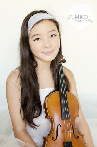 Girl with violin by Sumico Photography